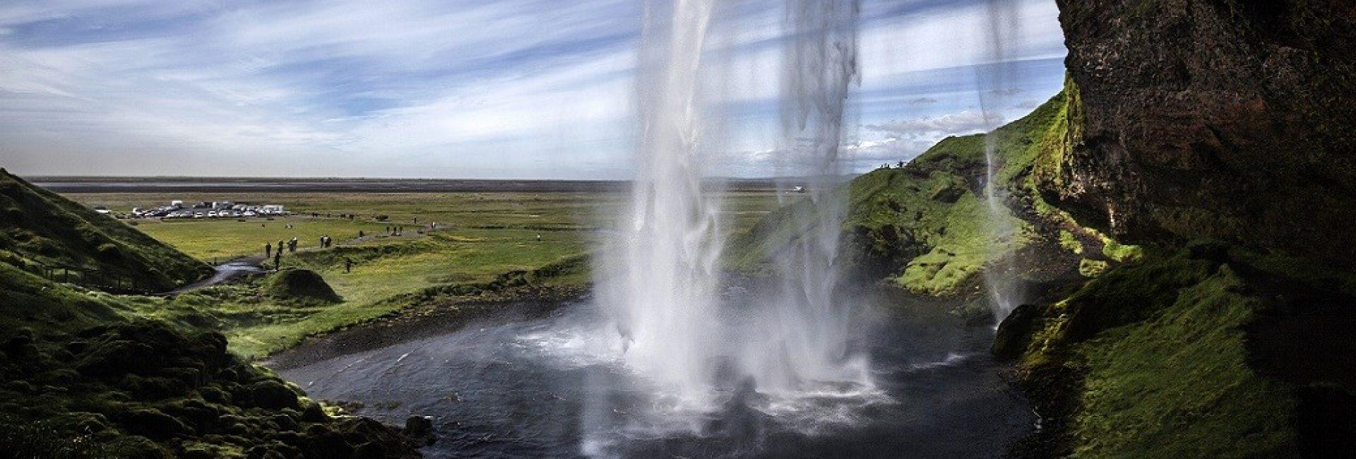 Putovanje na Island ima transformativni učinak na ljude: grube i snažne pretvara u pjesnike a skeptike u vjernike.